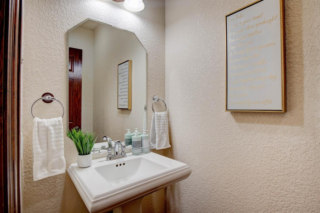1805 Westhill Drive, Cleburne, Texas 76033 - acquisto real estate best negotiating realtor linda miller declutter realtor