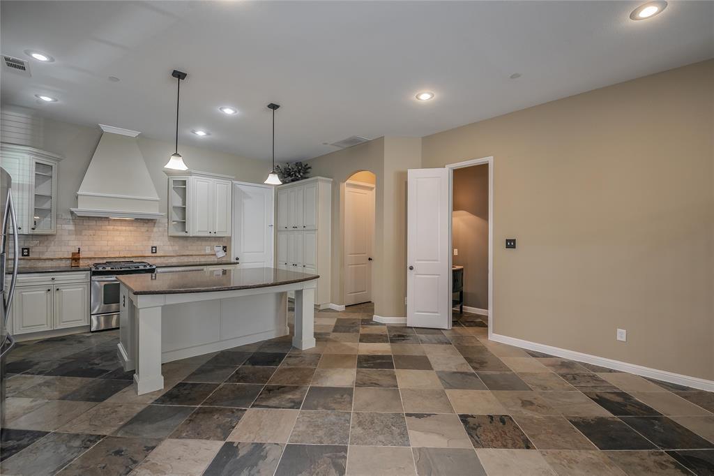 8616 Augustine Road, Irving, Texas 75063 - acquisto real estate best prosper realtor susan cancemi windfarms realtor