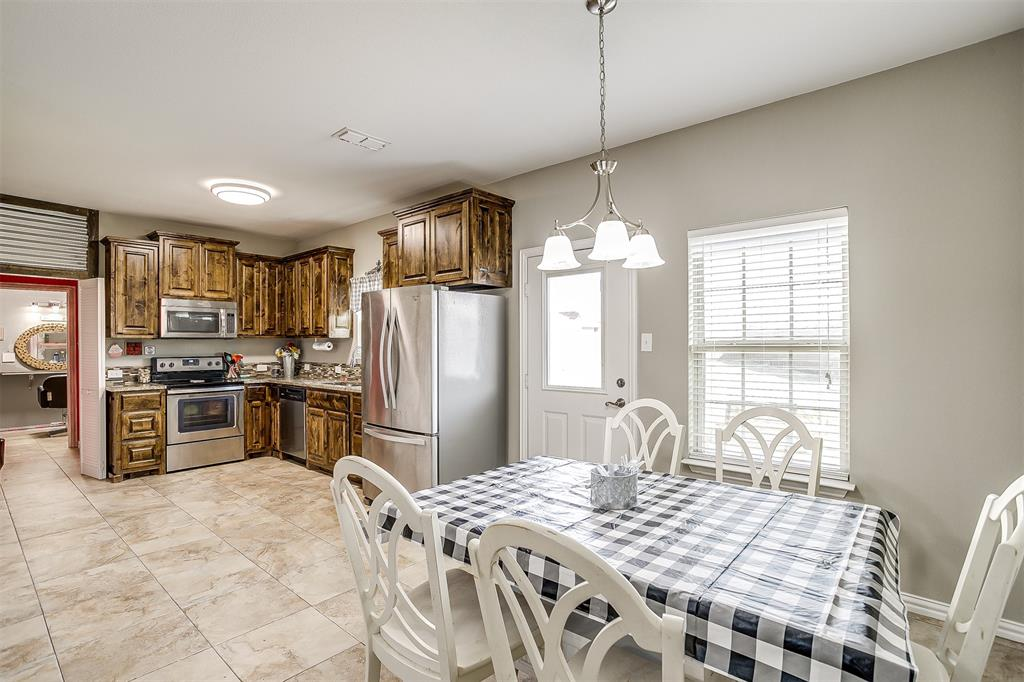 500 Links Drive, Godley, Texas 76044 - acquisto real estate best highland park realtor amy gasperini fast real estate service