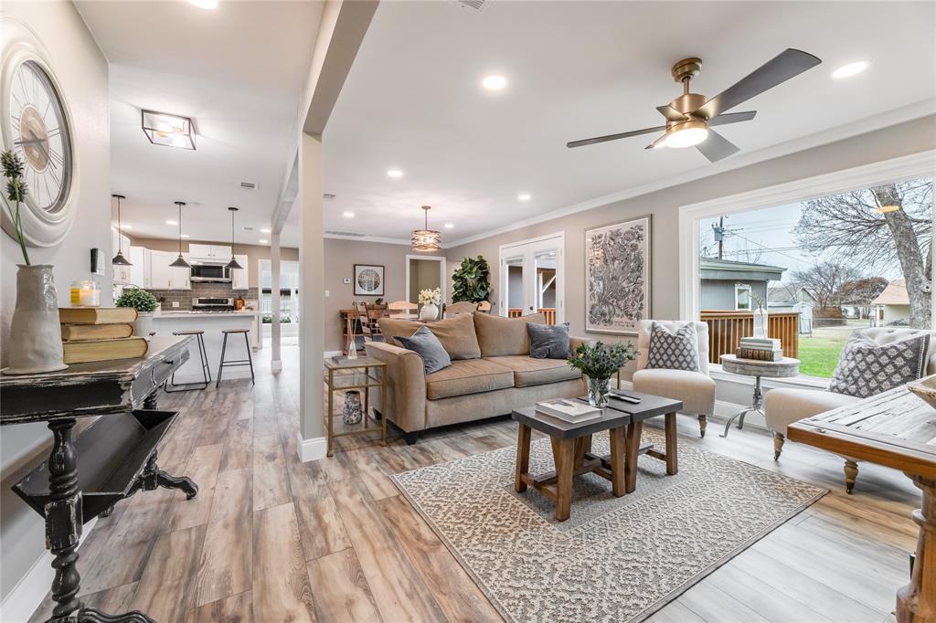 1209 Pine Street, Grapevine, Texas 76051 - acquisto real estate best luxury buyers agent in texas shana acquisto inheritance realtor