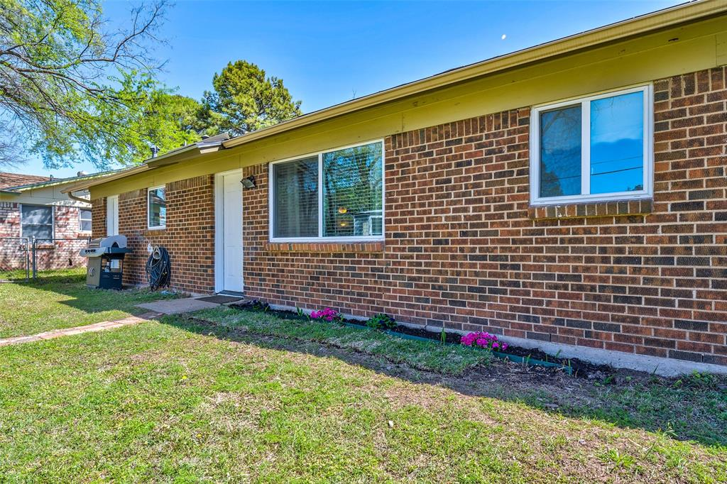 1205 Norwood Drive, Hurst, Texas 76053 - acquisto real estate agent of the year mike shepherd