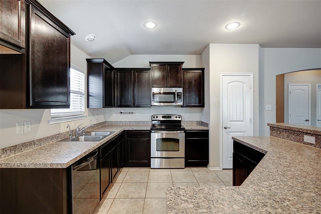 1727 Park Trails Boulevard, Princeton, Texas 75407 - acquisto real estate best celina realtor logan lawrence best dressed realtor