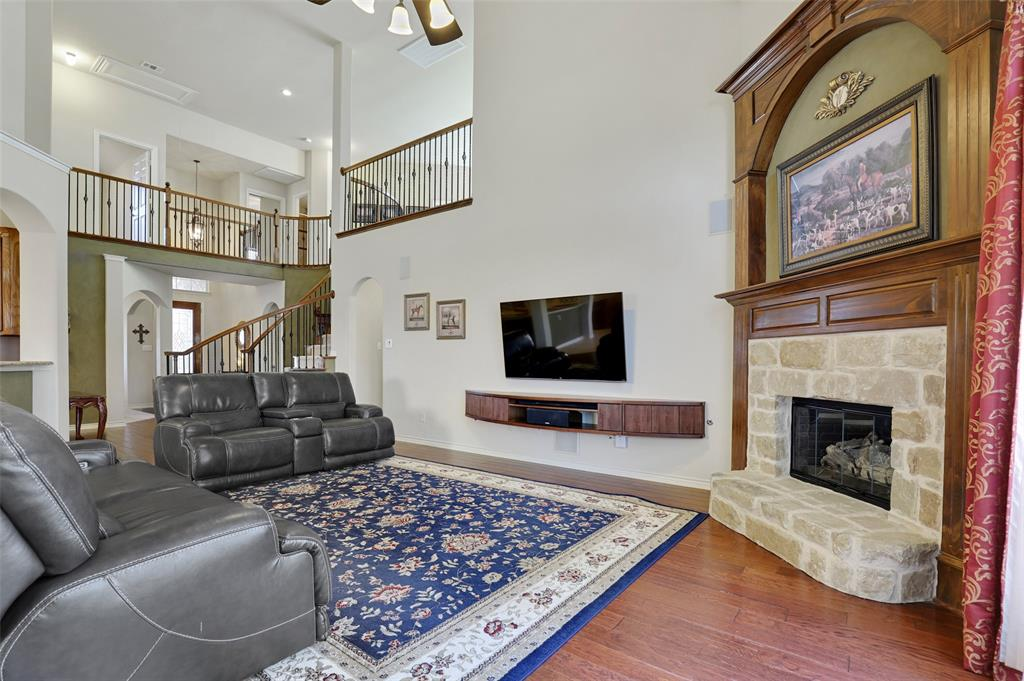 711 Montclaire Drive, Mansfield, Texas 76063 - acquisto real estate best highland park realtor amy gasperini fast real estate service
