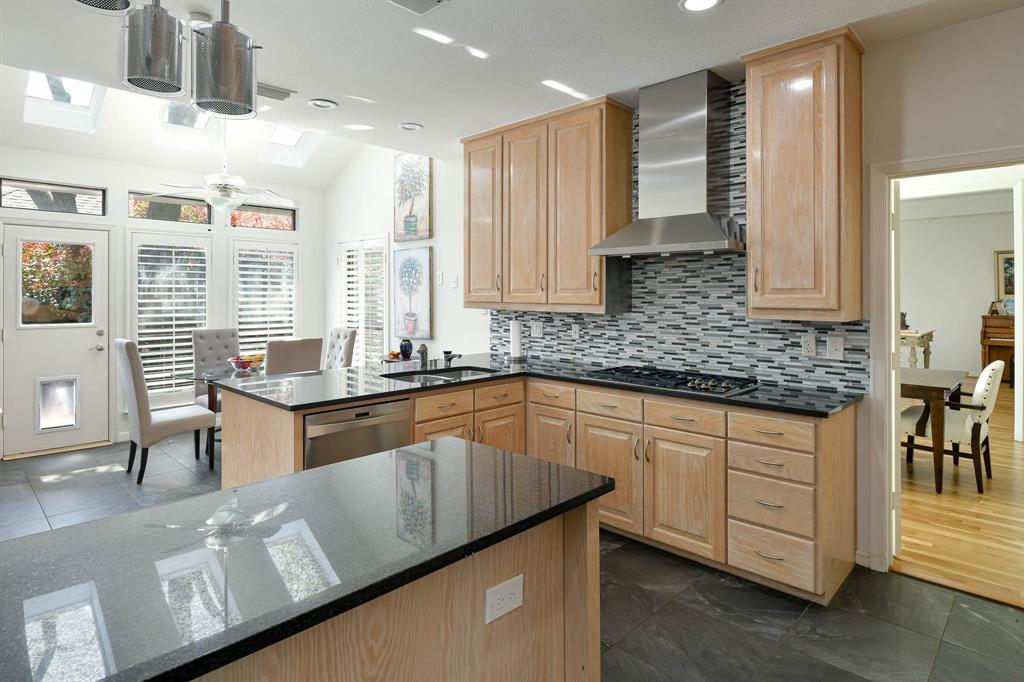 16208 Ranchita Drive, Dallas, Texas 75248 - acquisto real estate best realtor dallas texas linda miller agent for cultural buyers