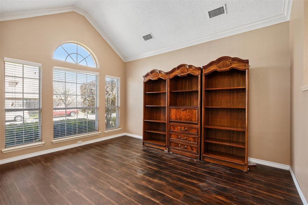 2417 Bent Brook Drive, Mesquite, Texas 75181 - acquisto real estate best celina realtor logan lawrence best dressed realtor