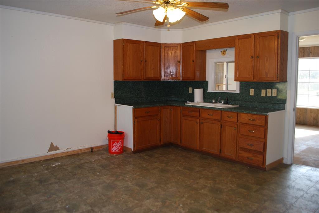 202 McFall Street, Whitesboro, Texas 76273 - acquisto real estate best photos for luxury listings amy gasperini quick sale real estate