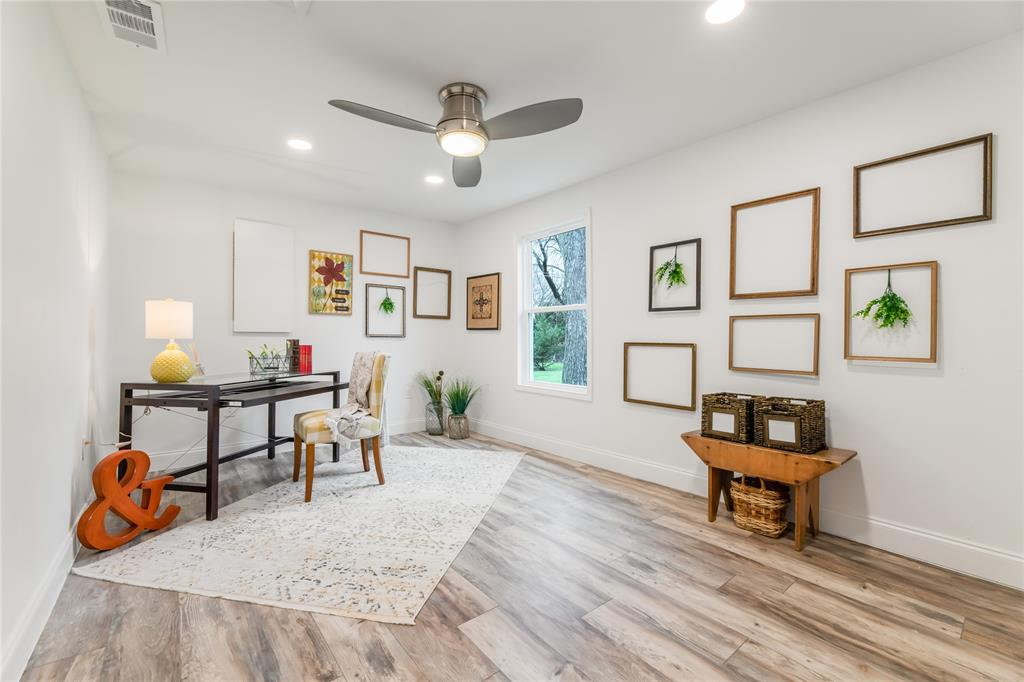 1209 Pine Street, Grapevine, Texas 76051 - acquisto real estate best park cities realtor kim miller best staging agent