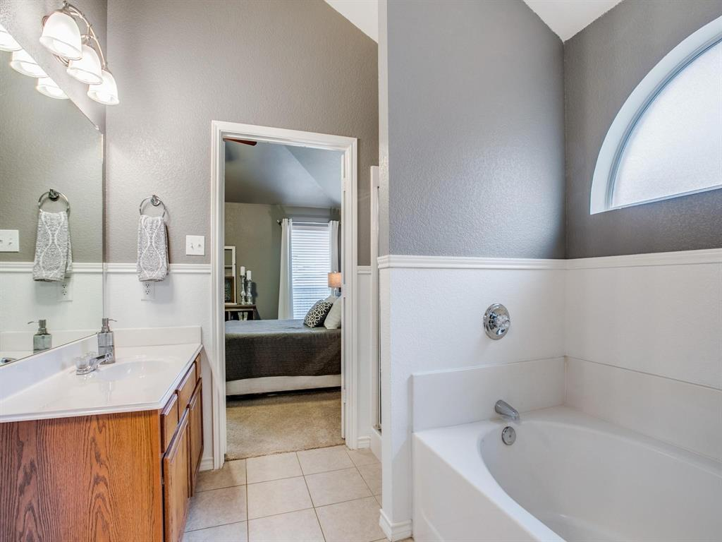 3721 Fiscal  Court, Fort Worth, Texas 76244 - acquisto real estate best investor home specialist mike shepherd relocation expert