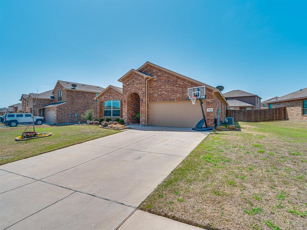 1725 Cross Creek Lane, Cleburne, Texas 76033 - acquisto real estate best prosper realtor susan cancemi windfarms realtor