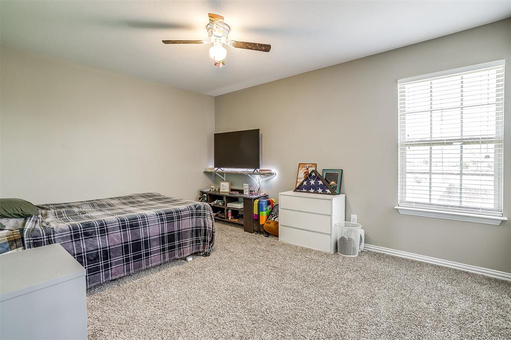 500 Links Drive, Godley, Texas 76044 - acquisto real estate best negotiating realtor linda miller declutter realtor