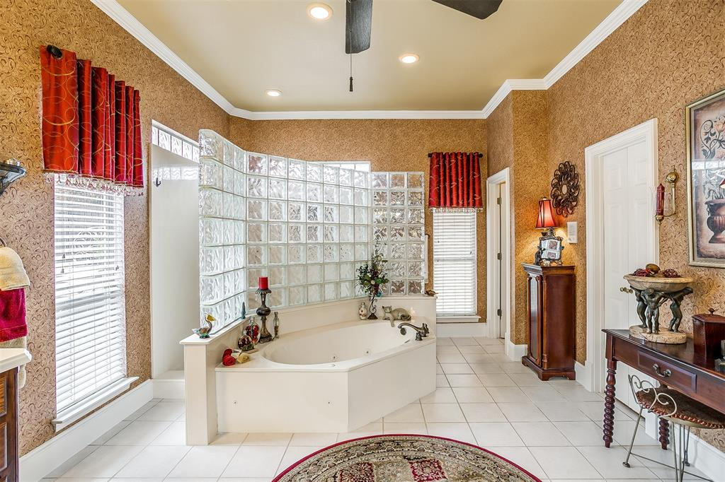107 Nob Hill Lane, Ovilla, Texas 75154 - acquisto real estate agent of the year mike shepherd