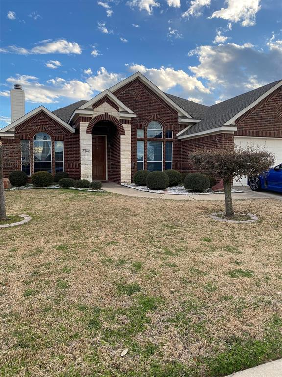 2207 Clark Trail, Grand Prairie, Texas 75052 - Acquisto Real Estate best plano realtor mike Shepherd home owners association expert