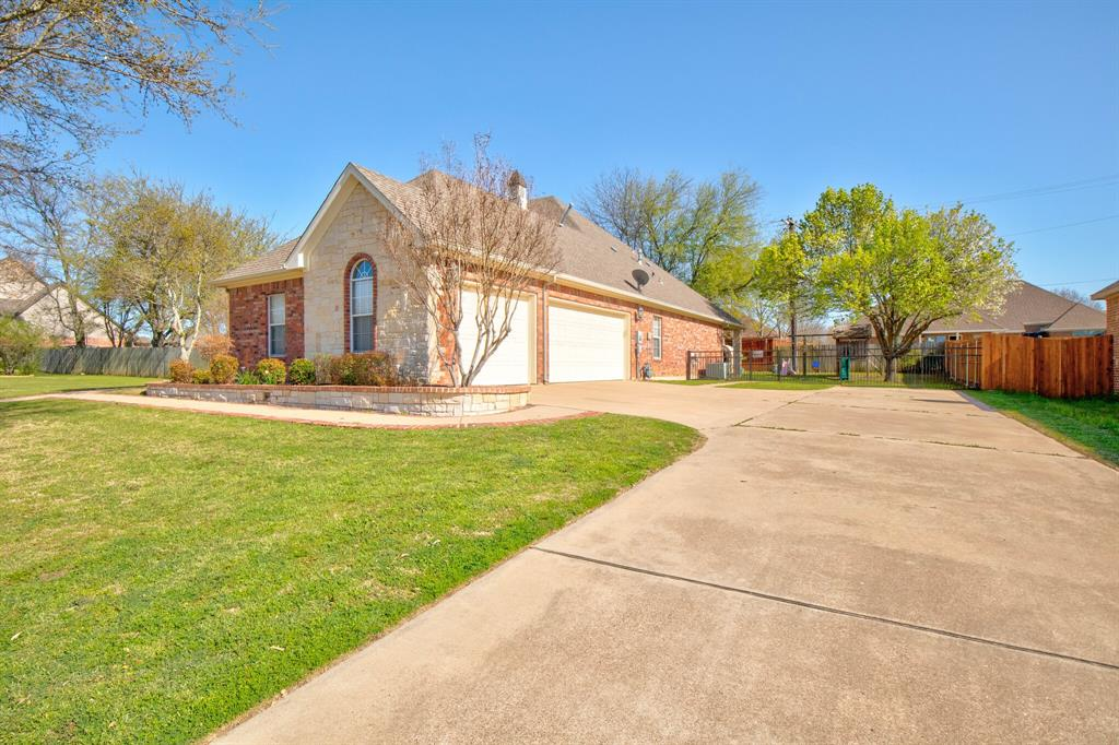 1805 Westhill Drive, Cleburne, Texas 76033 - acquisto real estate best prosper realtor susan cancemi windfarms realtor
