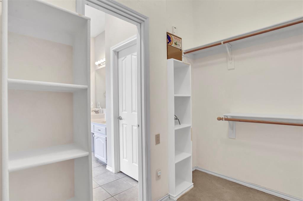 1811 Swaim Court, Arlington, Texas 76001 - acquisto real estate best realtor foreclosure real estate mike shepeherd walnut grove realtor