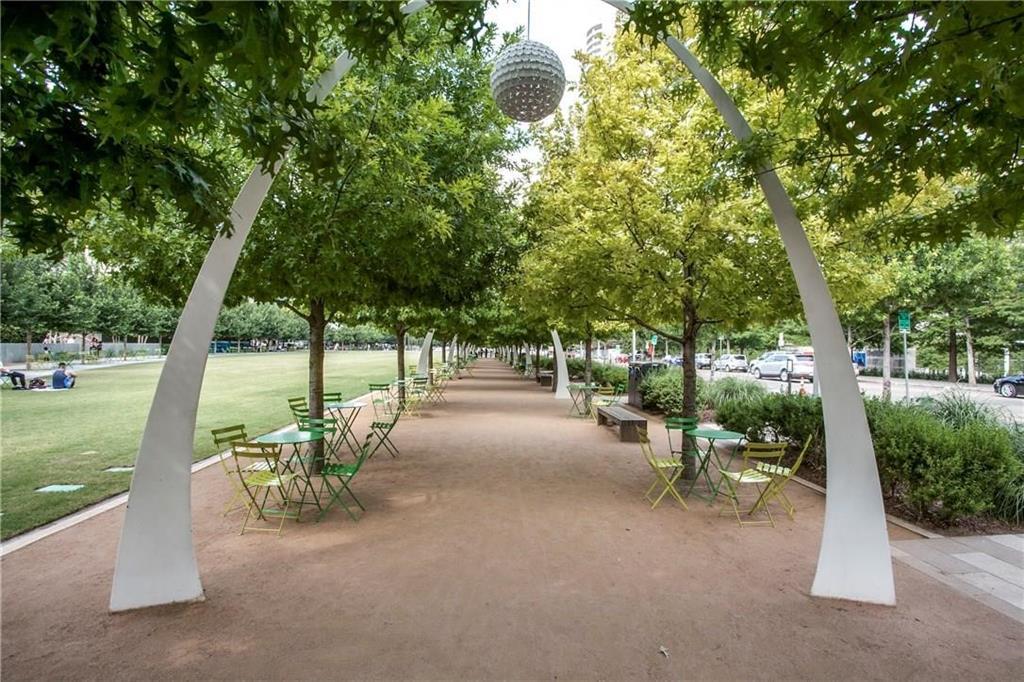 2950 Mckinney Avenue, Dallas, Texas 75204 - acquisto real estate best park cities realtor kim miller best staging agent