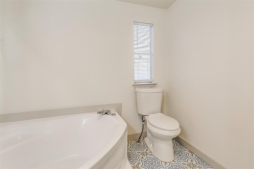 5925 Wild Berry  Trail, Joshua, Texas 76058 - acquisto real estate best plano real estate agent mike shepherd