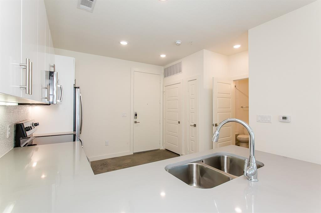 200 Bishop Avenue, Dallas, Texas 75208 - acquisto real estate best prosper realtor susan cancemi windfarms realtor