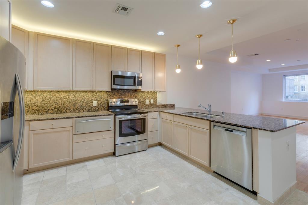 1505 Elm  Street, Dallas, Texas 75201 - acquisto real estate best allen realtor kim miller hunters creek expert