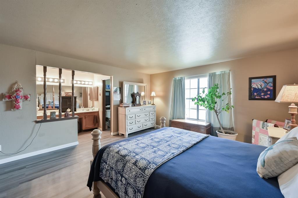 3916 Wrenwood Drive, Fort Worth, Texas 76137 - acquisto real estate best prosper realtor susan cancemi windfarms realtor