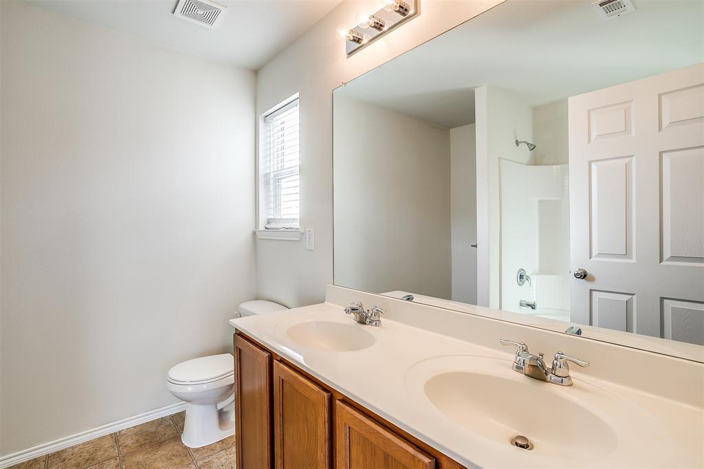 1261 Boxwood Lane, Burleson, Texas 76028 - acquisto real estate best listing agent in the nation shana acquisto estate realtor