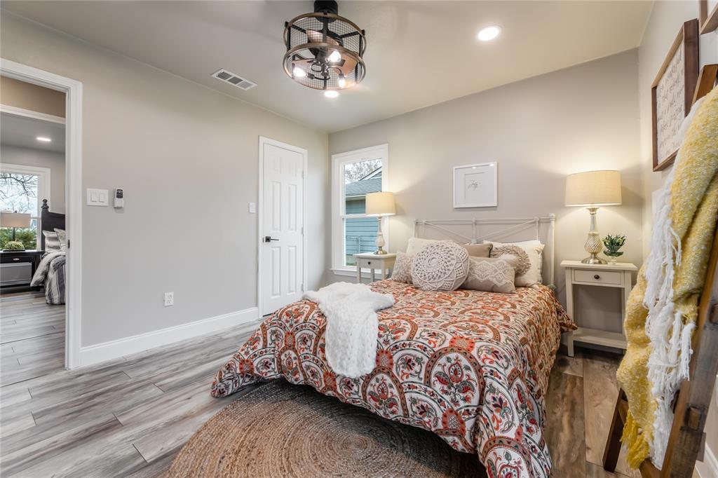 1209 Pine Street, Grapevine, Texas 76051 - acquisto real estate best luxury home specialist shana acquisto