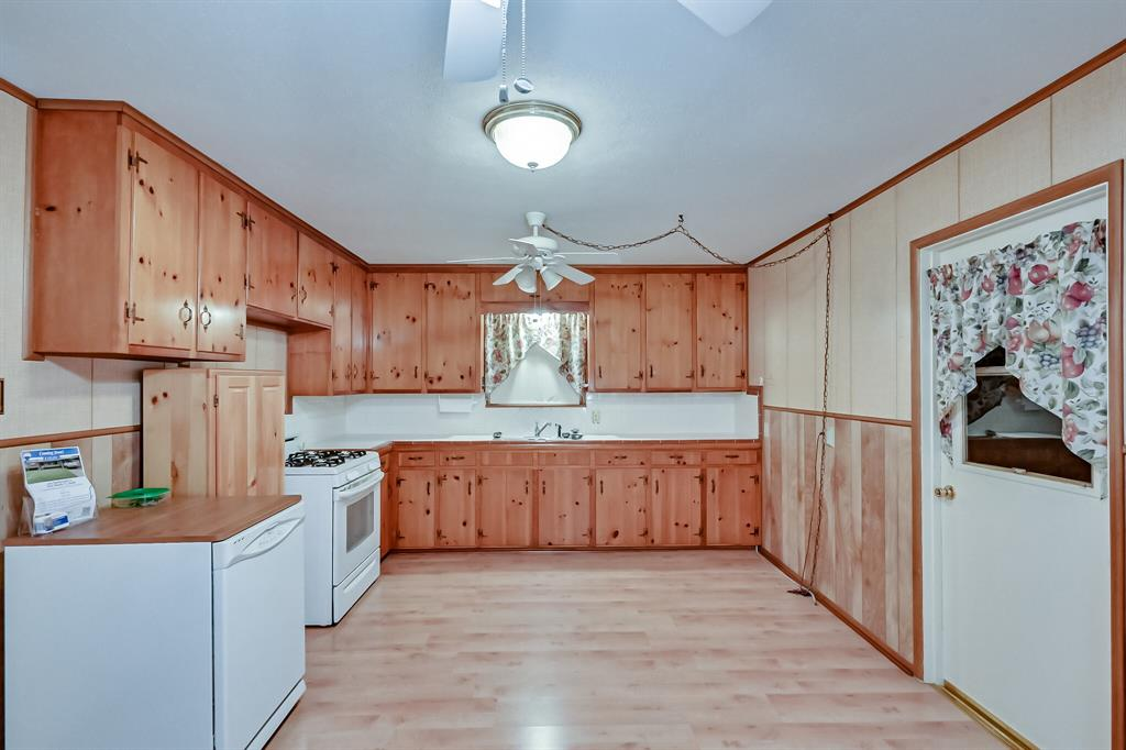 409 Kimbrough Street, White Settlement, Texas 76108 - acquisto real estate best prosper realtor susan cancemi windfarms realtor