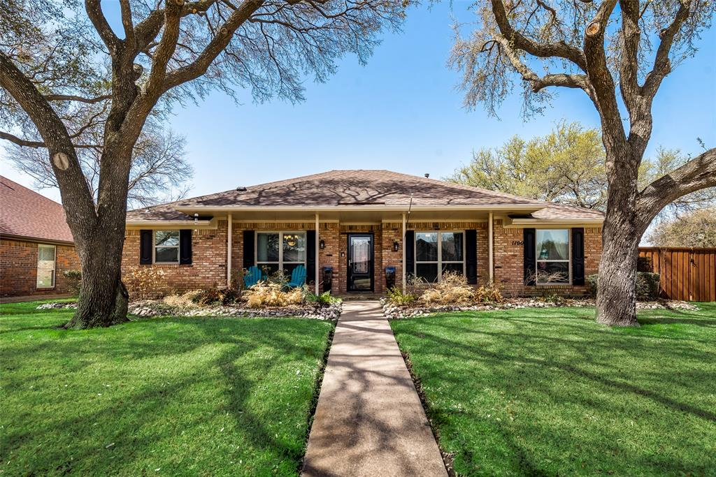 1100 Yorkshire  Drive, Carrollton, Texas 75007 - Acquisto Real Estate best plano realtor mike Shepherd home owners association expert