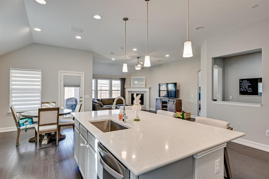 3200 Paxon Drive, Mansfield, Texas 76084 - acquisto real estate best frisco real estate broker in texas for high net worth buyers