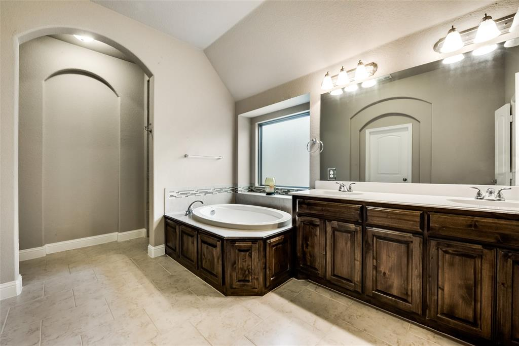 9704 Mullins Crossing Drive, Fort Worth, Texas 76126 - acquisto real estate best realtor dfw jody daley liberty high school realtor