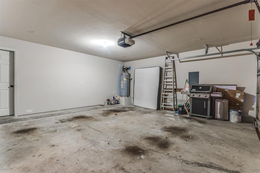 2700 Club Ridge  Drive, Lewisville, Texas 75067 - acquisto real estate best realtor dfw jody daley liberty high school realtor