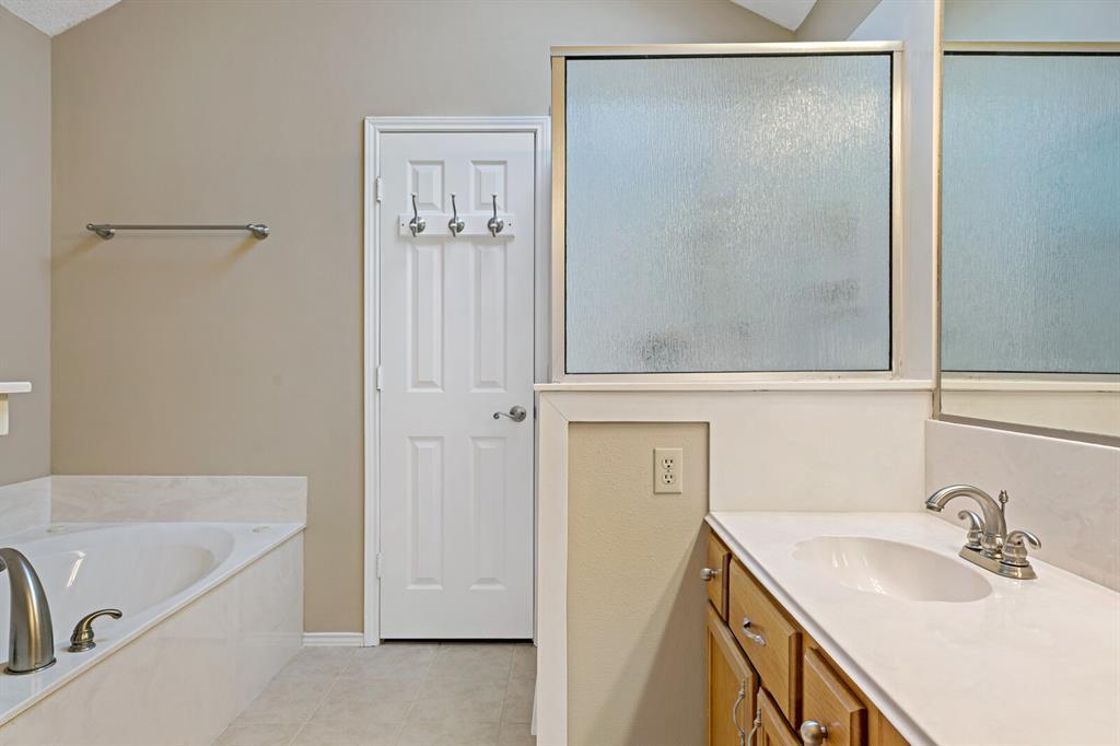 6522 Sturbridge Drive, Rowlett, Texas 75089 - acquisto real estate best style realtor kim miller best real estate reviews dfw