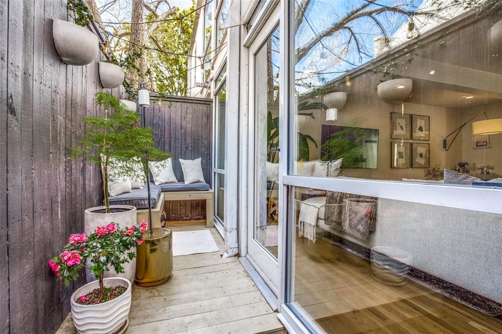4251 Buena Vista Street, Dallas, Texas 75205 - acquisto real estate best realtor foreclosure real estate mike shepeherd walnut grove realtor