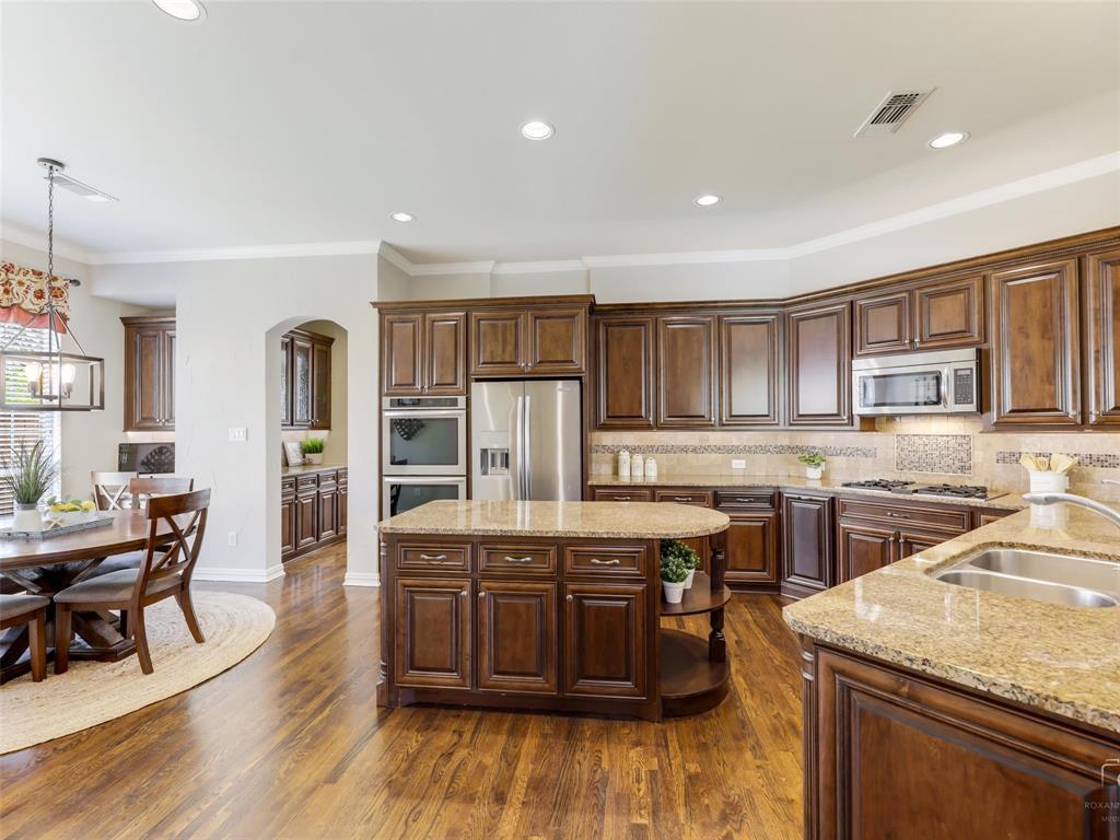 5358 Moss Glen Drive, Frisco, Texas 75034 - acquisto real estate best frisco real estate broker in texas for high net worth buyers