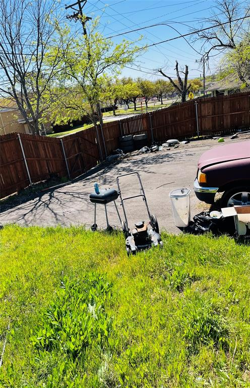 1126 Morningside Drive, Fort Worth, Texas 76104 - acquisto real estate best designer and realtor hannah ewing kind realtor