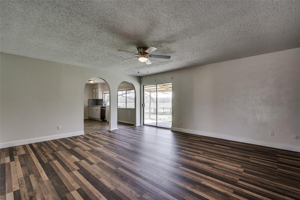 2213 Biscayne Drive, Irving, Texas 75060 - acquisto real estate best highland park realtor amy gasperini fast real estate service