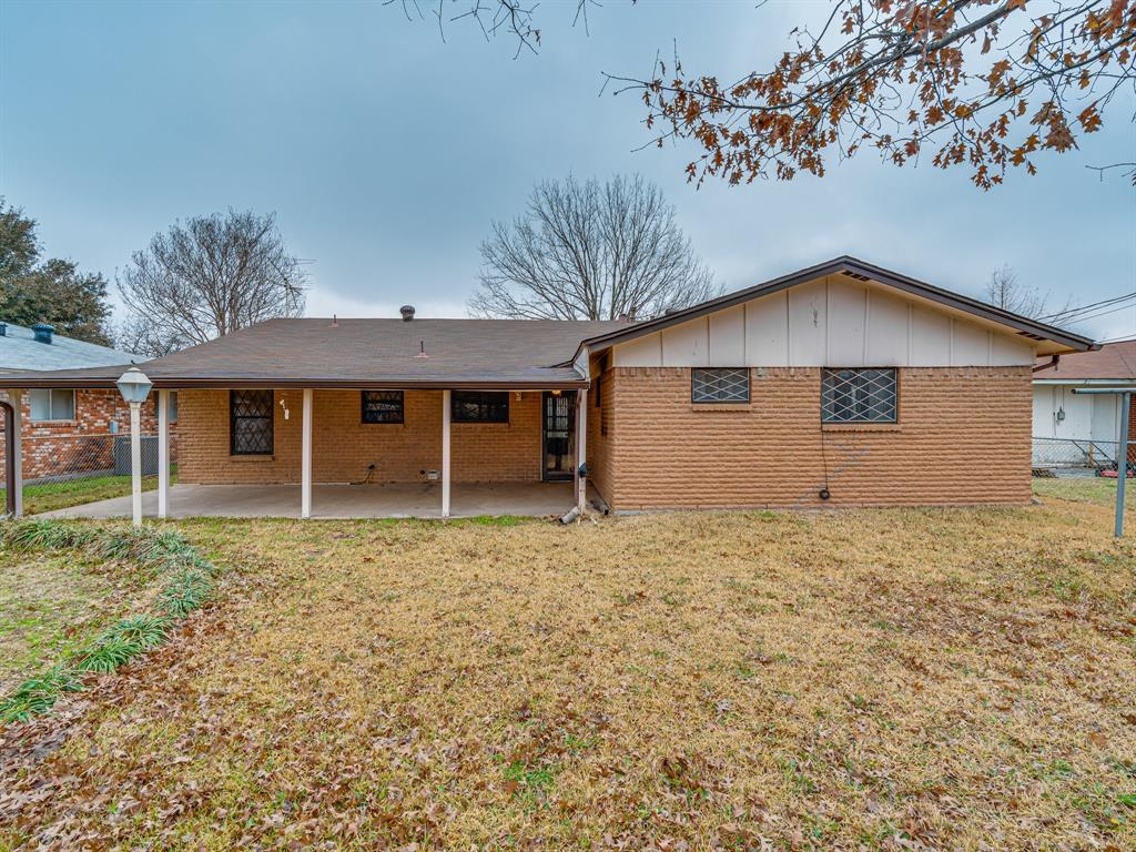 1101 Patricia Street, Irving, Texas 75060 - acquisto real estate best real estate company to work for