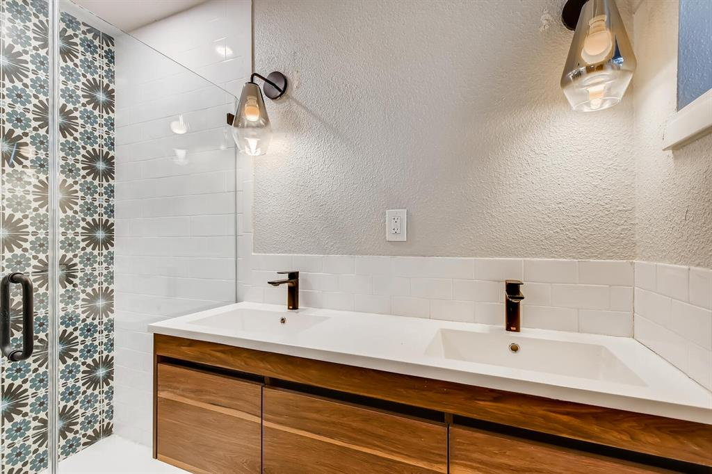 2912 Lawrence Street, Irving, Texas 75061 - acquisto real estate best real estate company in frisco texas real estate showings