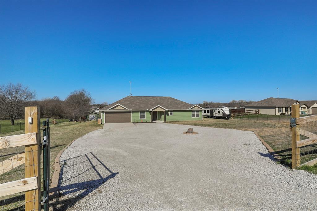 166 Blue Sky Lane, Springtown, Texas 76082 - Acquisto Real Estate best plano realtor mike Shepherd home owners association expert