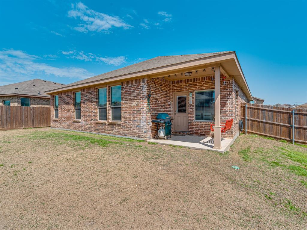 1725 Cross Creek Lane, Cleburne, Texas 76033 - acquisto real estate best real estate follow up system katy mcgillen