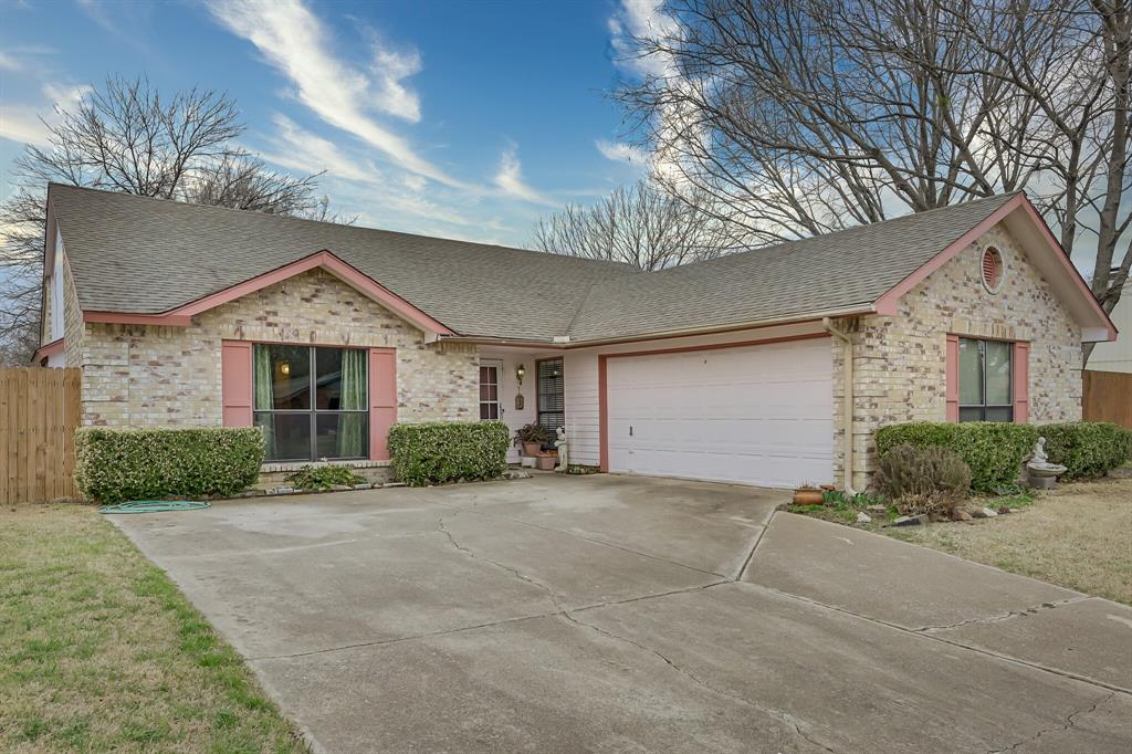 3916 Wrenwood Drive, Fort Worth, Texas 76137 - Acquisto Real Estate best plano realtor mike Shepherd home owners association expert