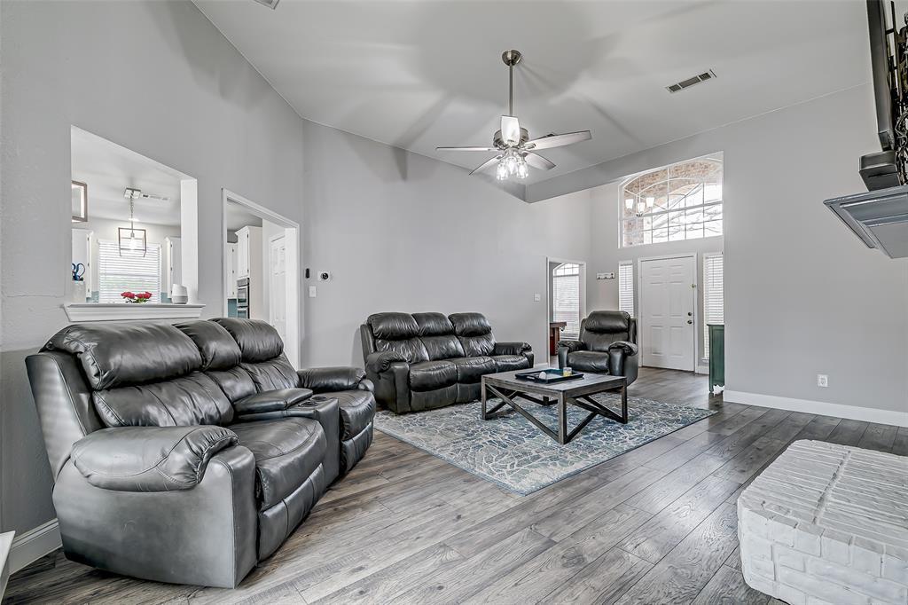 11017 Aurora Lane, Frisco, Texas 75035 - acquisto real estate best real estate company in frisco texas real estate showings