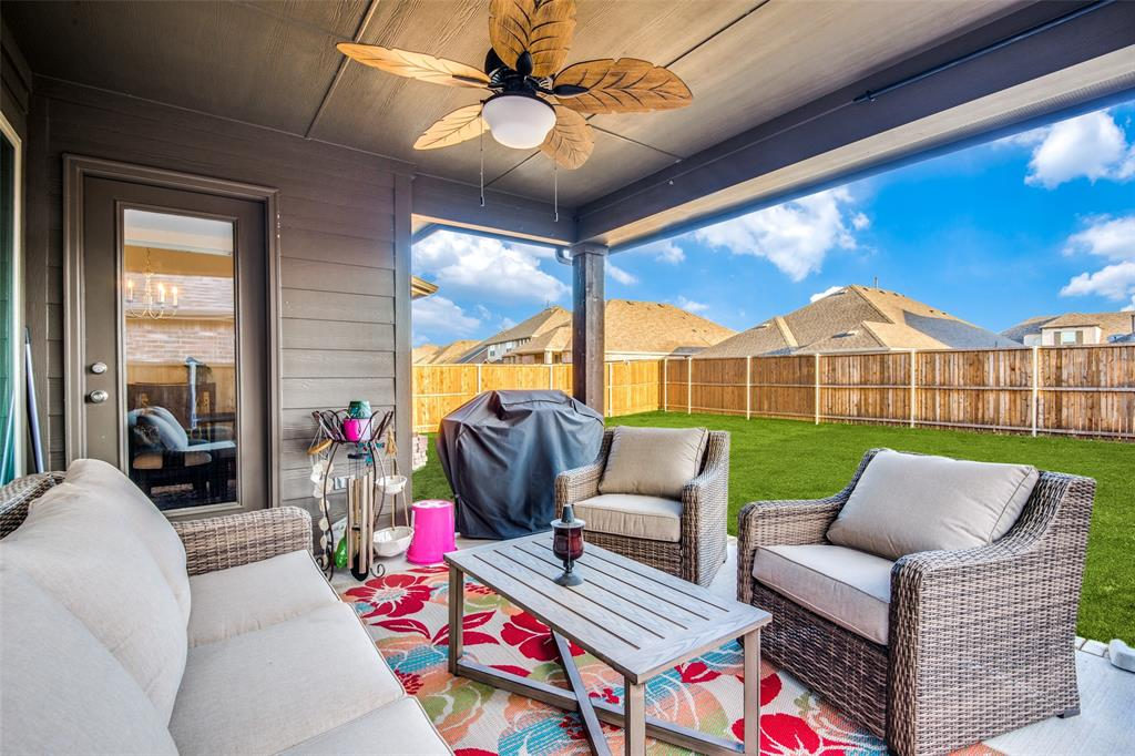 1805 Steppe Trail Drive, Aubrey, Texas 76227 - acquisto real estate best frisco real estate agent amy gasperini panther creek realtor