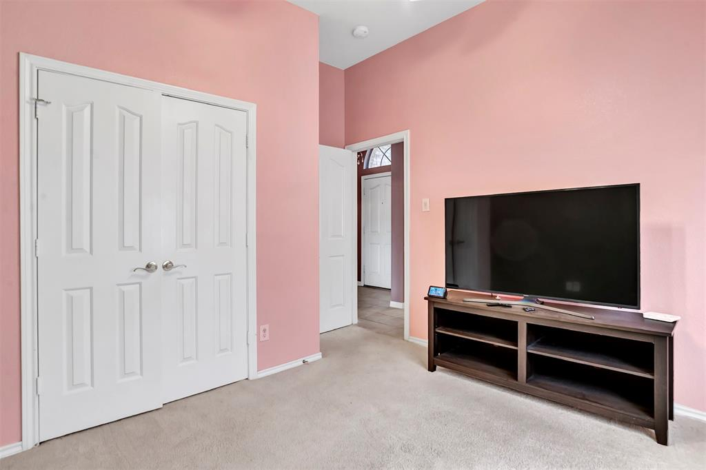 1811 Swaim Court, Arlington, Texas 76001 - acquisto real estate best photo company frisco 3d listings