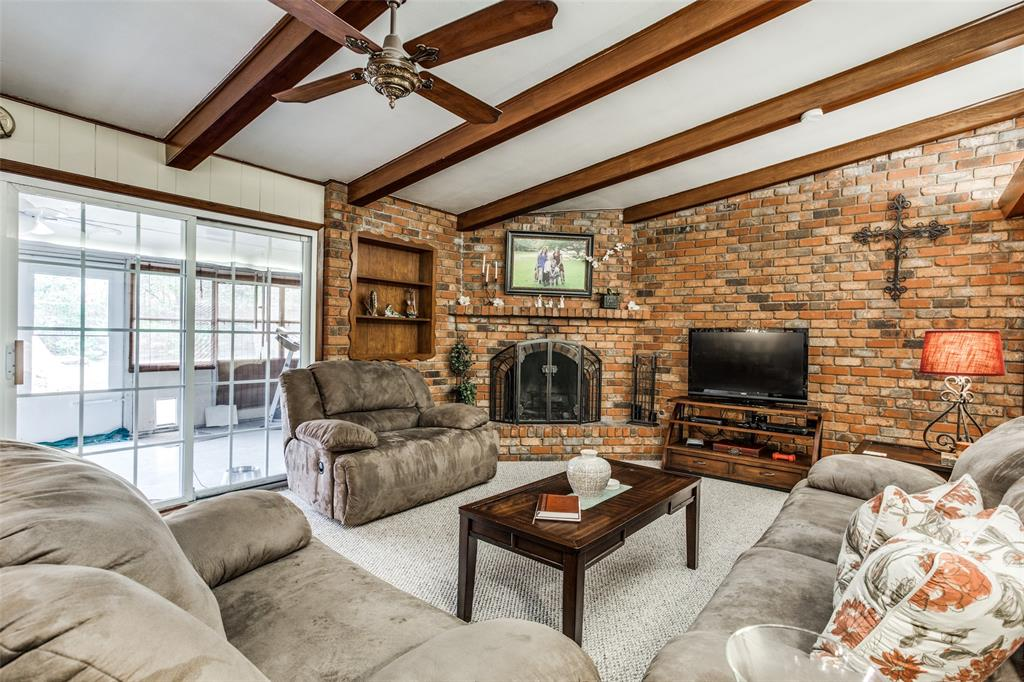 3804 Wosley Drive, Fort Worth, Texas 76133 - acquisto real estate best highland park realtor amy gasperini fast real estate service