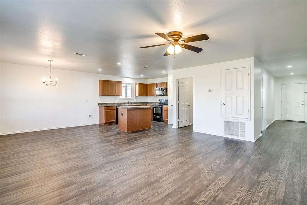 1261 Boxwood Lane, Burleson, Texas 76028 - acquisto real estate best designer and realtor hannah ewing kind realtor