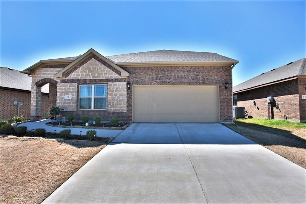 742 BROOKLINE Drive, Lavon, Texas 75166 - Acquisto Real Estate best plano realtor mike Shepherd home owners association expert