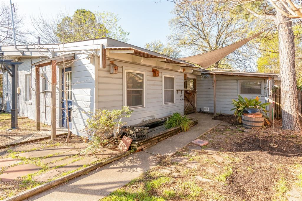 1941 Standish Drive, Irving, Texas 75061 - acquisto real estate best relocation company in america katy mcgillen