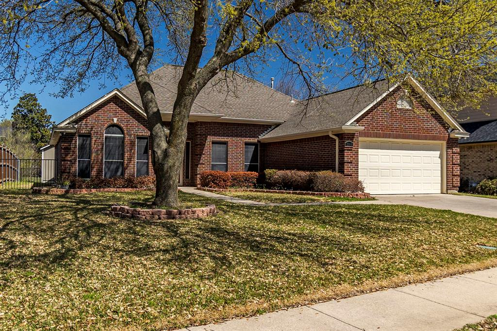 2304 Field Lane, Mansfield, Texas 76063 - Acquisto Real Estate best plano realtor mike Shepherd home owners association expert