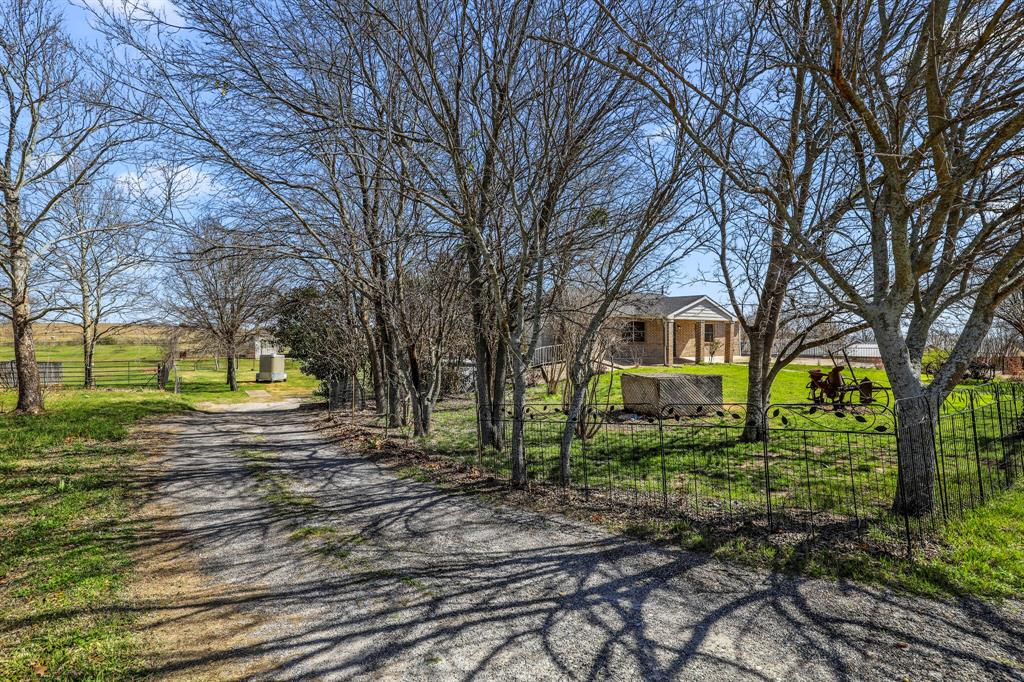 206 Beaudelaire Drive, Weatherford, Texas 76087 - acquisto real estate mvp award real estate logan lawrence