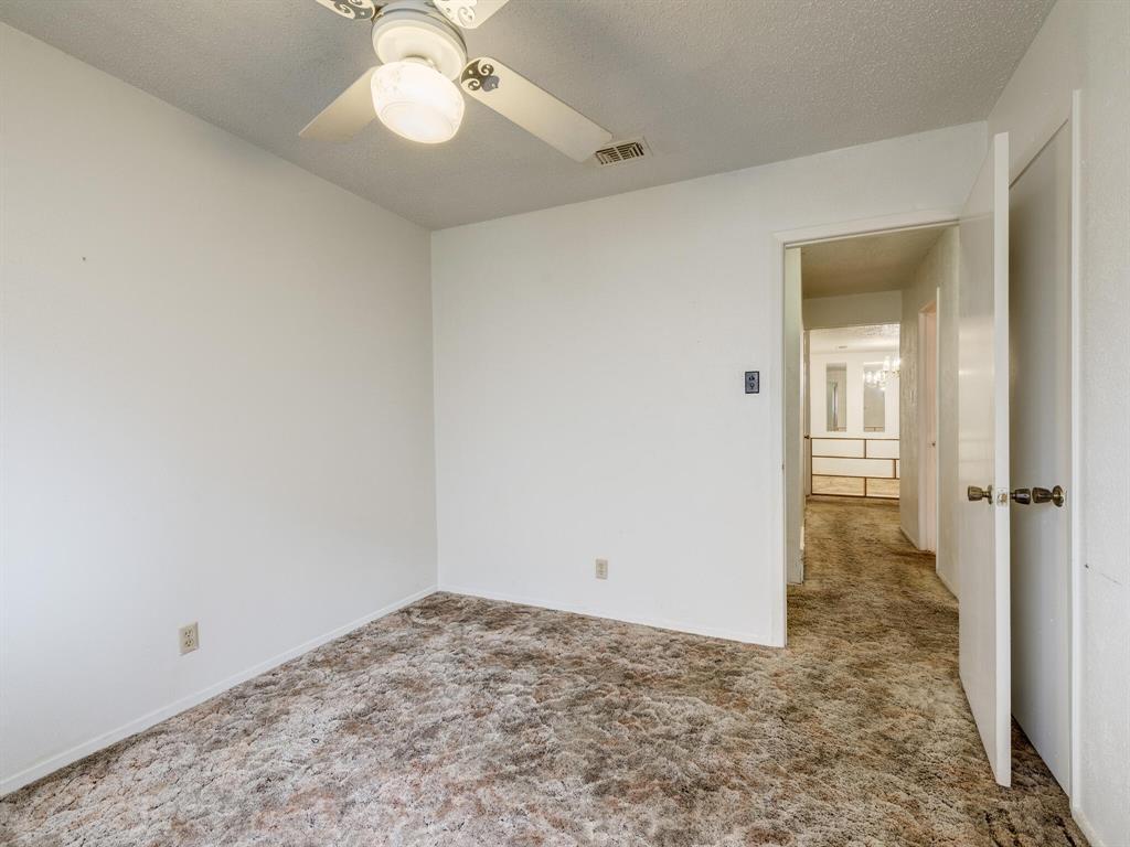 2507 Hilldale Boulevard, Arlington, Texas 76016 - acquisto real estate best frisco real estate agent amy gasperini panther creek realtor